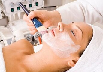 chemical peeling as a way to rejuvenate the skin of the face