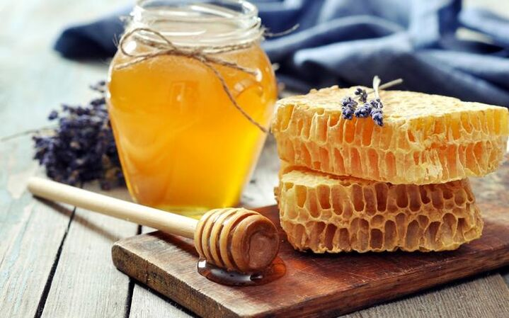 honey with spices for rejuvenation